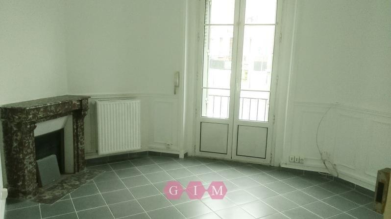 Rental apartment Poissy 706€ CC - Picture 2