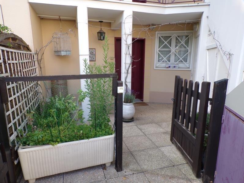 Sale apartment Montigny le bretonneux 234500€ - Picture 1