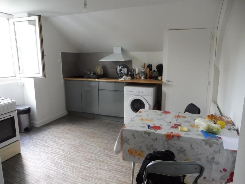 Rental apartment Beaupreau 320€ CC - Picture 2