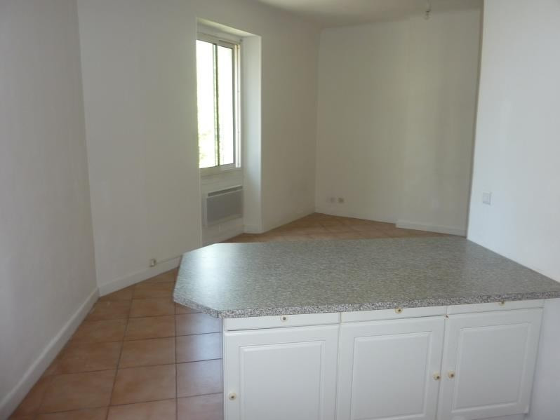 Location appartement Marseille 8ème 795€ CC - Photo 6