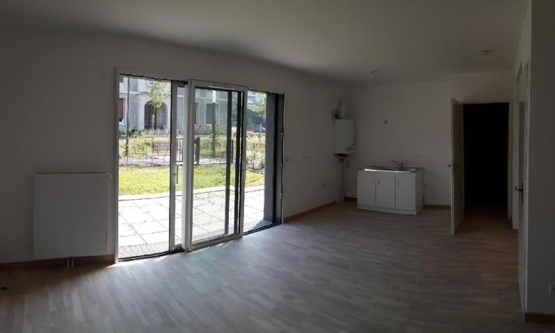 Location appartement Mont st aignan 680€ CC - Photo 3