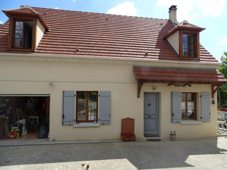Sale house / villa Chambly 325000€ - Picture 1