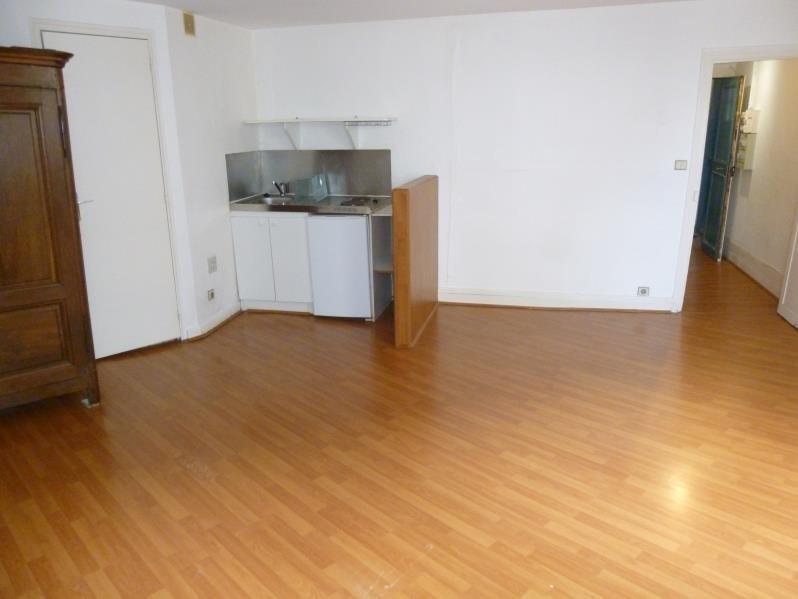 Sale apartment Paris 11ème 330000€ - Picture 2