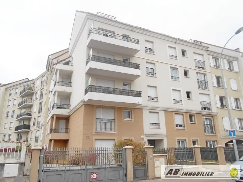 Rental apartment Poissy 790€ CC - Picture 1