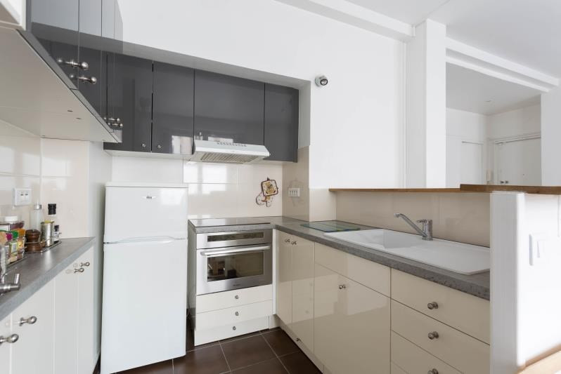 Sale apartment Paris 18ème 460000€ - Picture 2