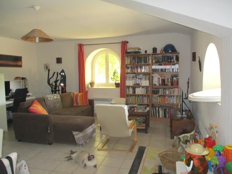 Verhuren  appartement Eyguieres 787€ CC - Foto 3