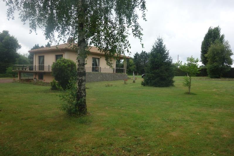 Sale house / villa La roche sur yon 273000€ - Picture 1