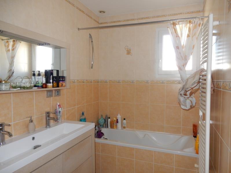 Sale house / villa Loire sur rhone 280000€ - Picture 10