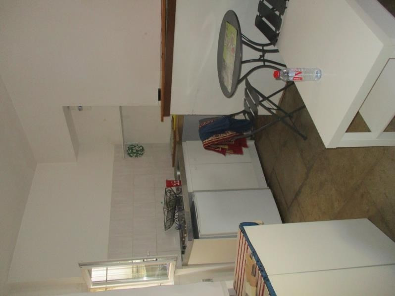 Location appartement Nimes 420€ CC - Photo 2