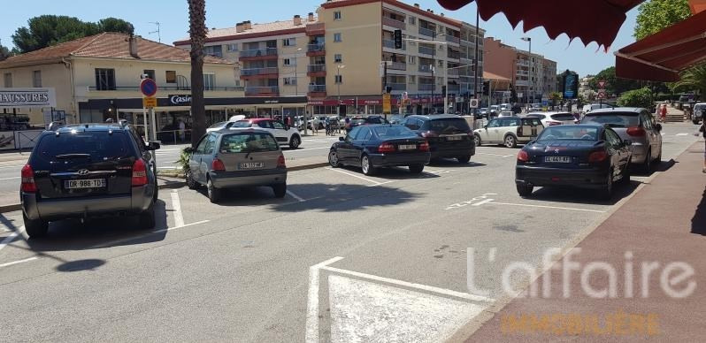 Commercial property sale shop St aygulf 140000€ - Picture 2