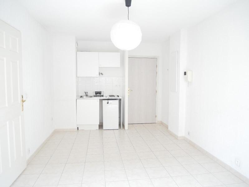Location appartement Aix en provence 770€ CC - Photo 2