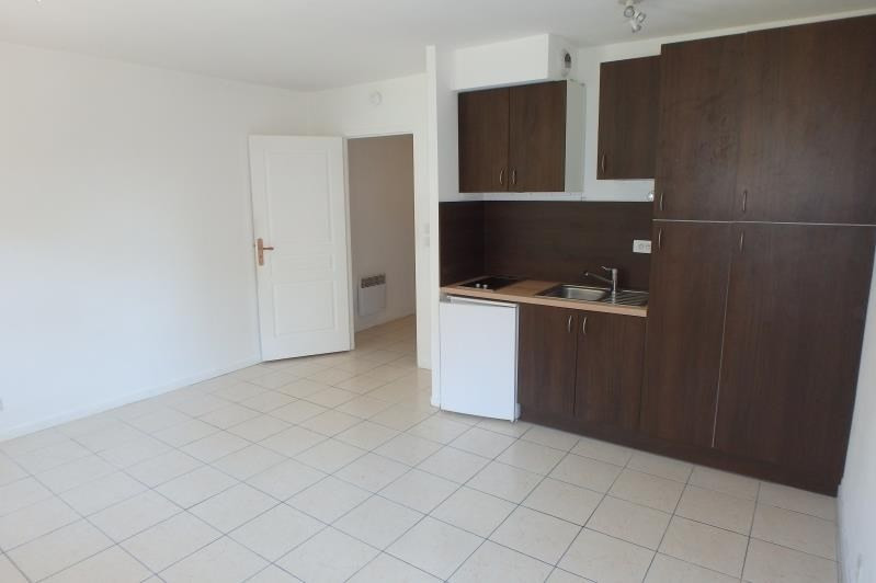 Rental apartment Chaville 690€ CC - Picture 2