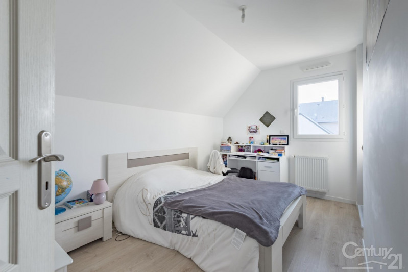 Revenda casa Escoville 329000€ - Fotografia 16