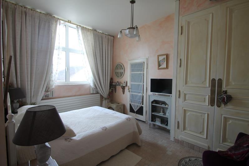 Sale house / villa Machault 580000€ - Picture 7