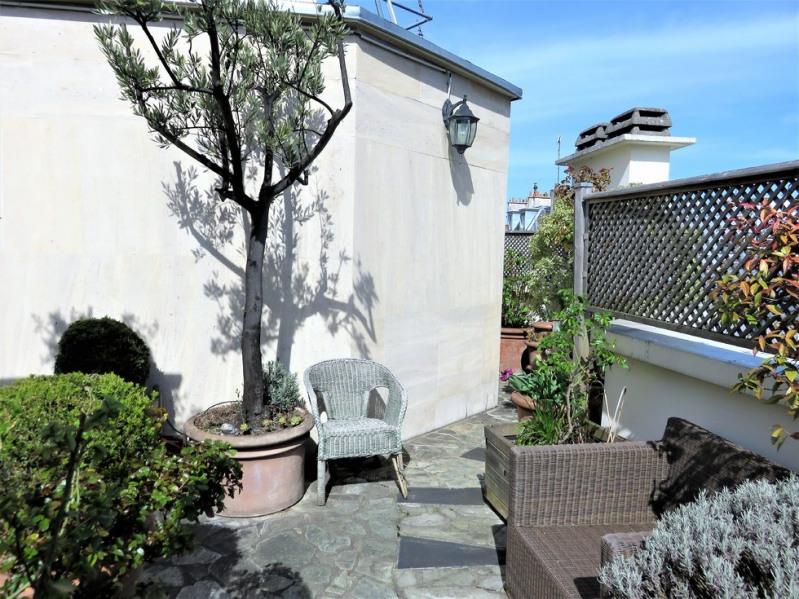 Deluxe sale apartment Paris 18ème 1100000€ - Picture 8