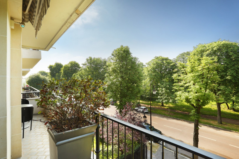 Deluxe sale apartment Neuilly-sur-seine 1890000€ - Picture 3