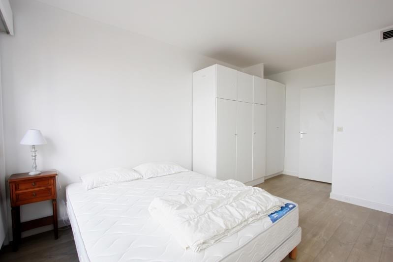 Location appartement Paris 15ème 2 816€ CC - Photo 7