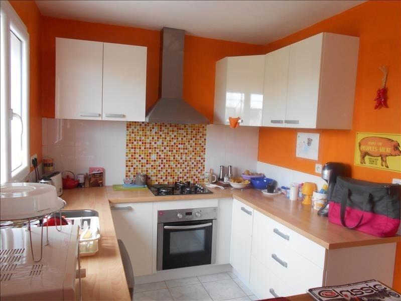 Sale house / villa St jean d angely 133125€ - Picture 4