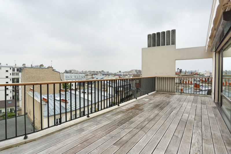 Paris 5th District – A two-room apartment with a terrace.