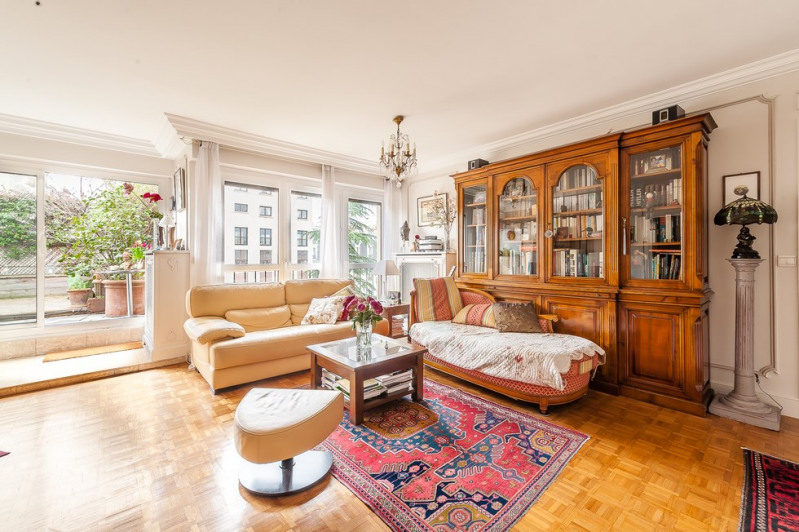 Deluxe sale apartment Paris 18ème 1 070 000€ - Picture 4