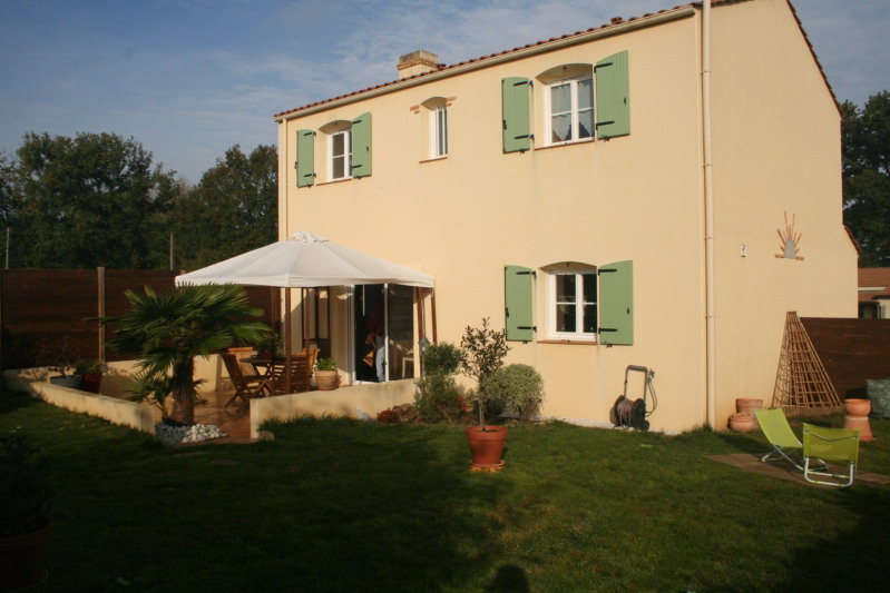 Sale house / villa Saint-philbert-de-grand-lieu 222000€ - Picture 1