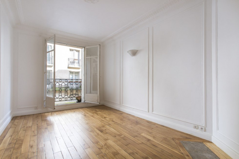 Sale apartment Paris 18ème 650 000€ - Picture 3