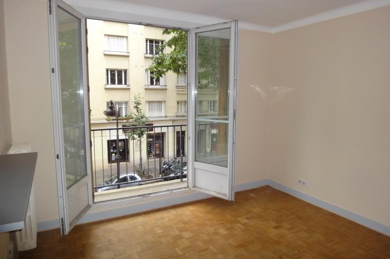 Rental apartment Paris 20ème 1213€ CC - Picture 10