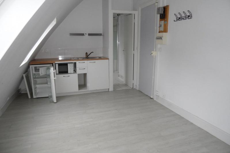 Location appartement Paris 8ème 875€ CC - Photo 2
