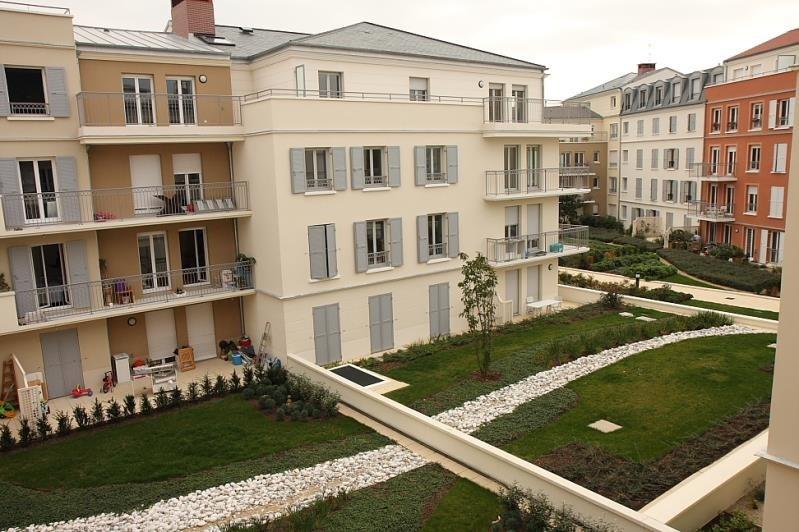 Rental apartment Poissy 826€ CC - Picture 1