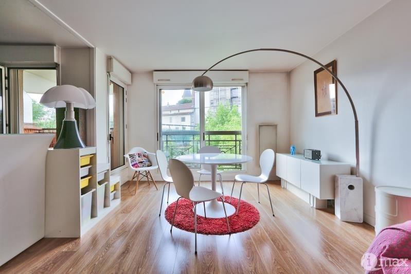 Sale apartment Paris 18ème 660000€ - Picture 2