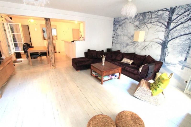 Deluxe sale apartment Paris 10ème 1040000€ - Picture 2