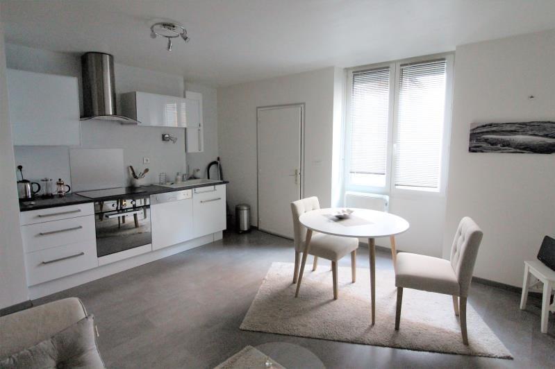 Verkoop  appartement Voiron 88000€ - Foto 1