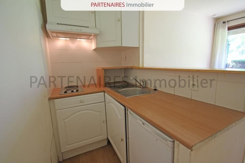 Rental apartment Le chesnay 620€ CC - Picture 3