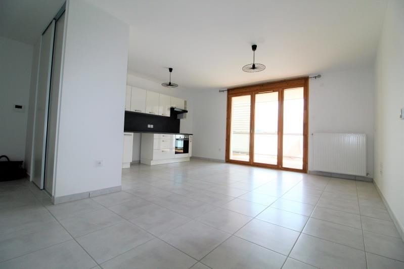 Rental apartment Voiron 780€ CC - Picture 2