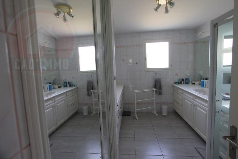 Sale house / villa St aubin de lanquais 258000€ - Picture 5