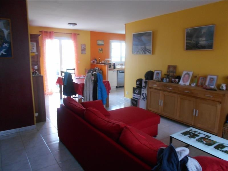 Sale house / villa St jean d angely 133125€ - Picture 2
