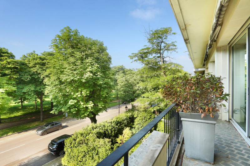 Deluxe sale apartment Neuilly-sur-seine 1890000€ - Picture 7