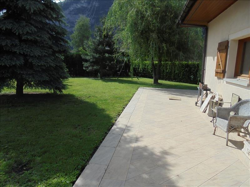 Sale house / villa Scionzier 399000€ - Picture 2