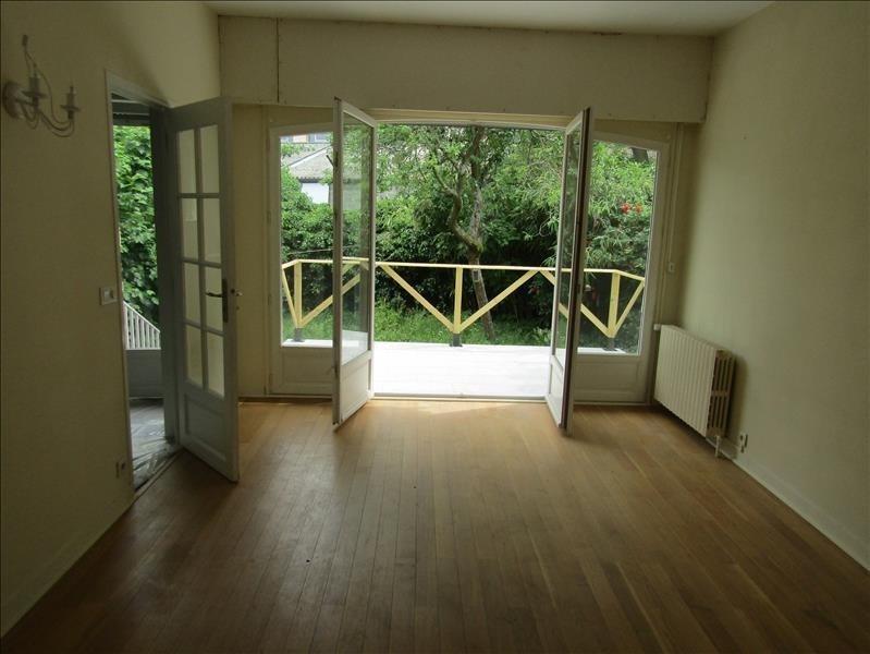 Location maison / villa Le mesnil le roi 2200€ +CH - Photo 4
