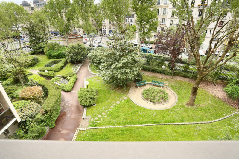 Deluxe sale apartment Neuilly-sur-seine 2 300 000€ - Picture 10