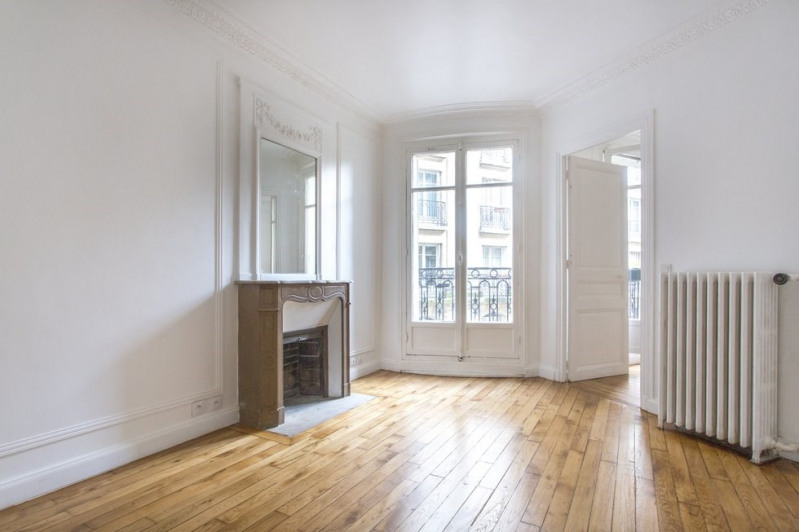 Sale apartment Paris 18ème 650 000€ - Picture 2