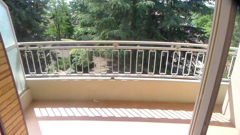Locação apartamento Pierre benite 606€ CC - Fotografia 5