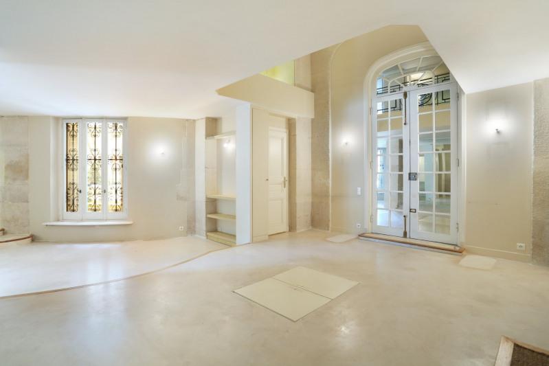 Vente de prestige appartement Paris 8ème 970000€ - Photo 2