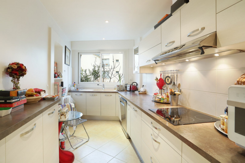 Deluxe sale apartment Neuilly-sur-seine 1490000€ - Picture 5