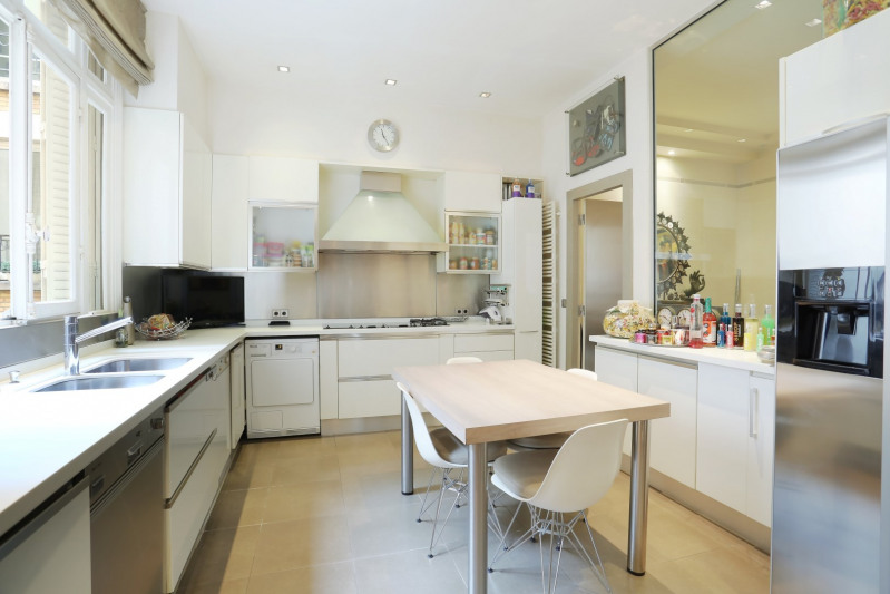 Deluxe sale apartment Neuilly-sur-seine 1910000€ - Picture 3