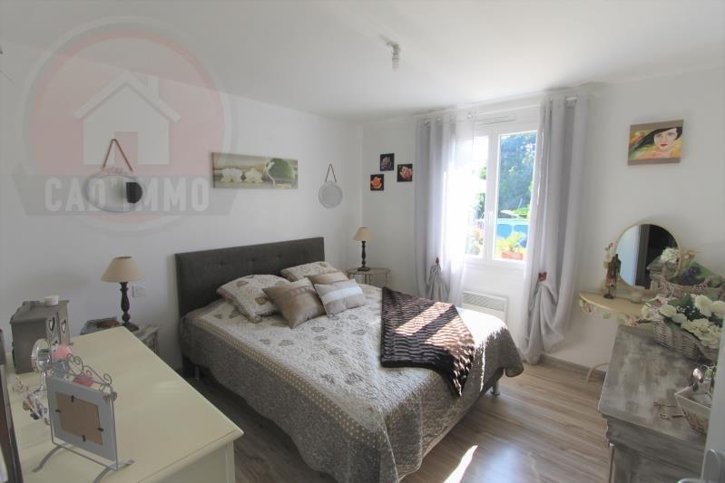 Sale house / villa St aubin de lanquais 189000€ - Picture 5