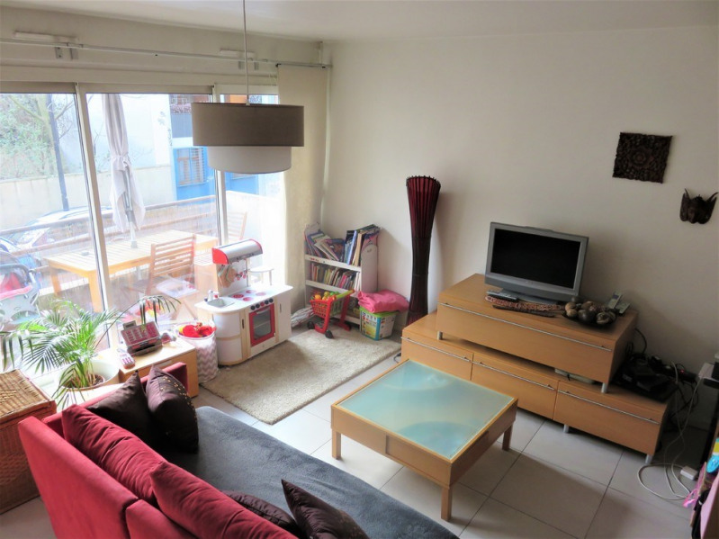 Sale apartment Paris 18ème 365 000€ - Picture 2