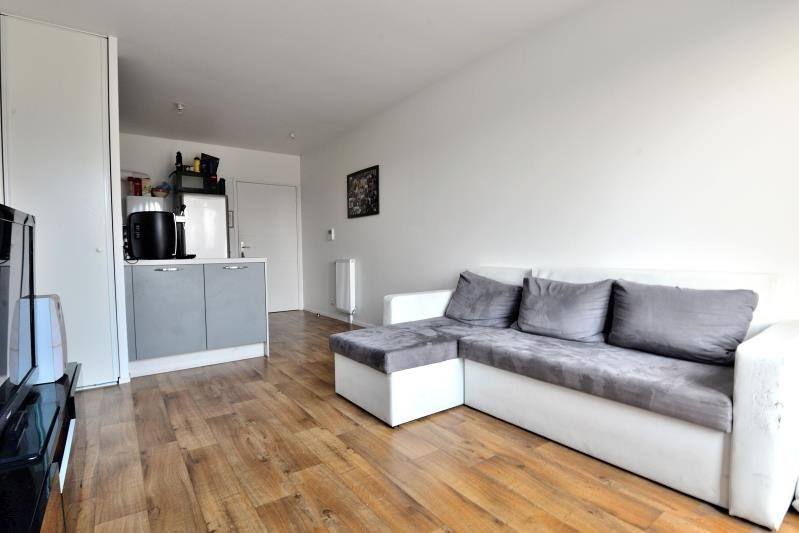 Sale apartment Fleury merogis 142000€ - Picture 1