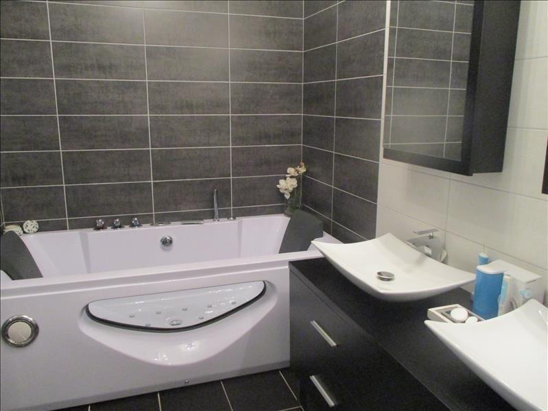 Sale house / villa Thoirette 220000€ - Picture 3