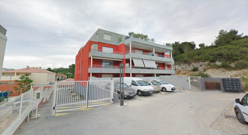 Rental parking spaces Le rove 140€ CC - Picture 1